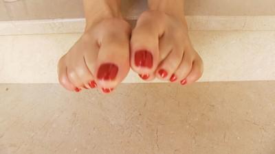 Oil My Feet, Slave! - POV