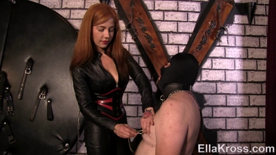 Playing a Game of Pain or Pleasure with My Slave!